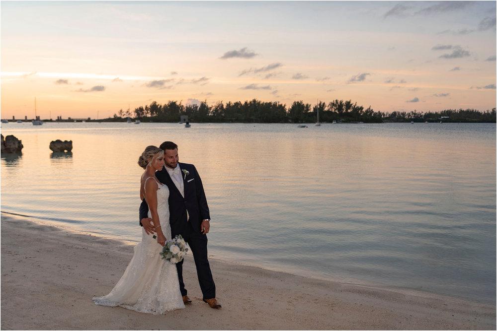 ©FianderFoto_Destination_Wedding_Photographer_Bermuda_Wedding_Photographer_Jaclyn_Anthony__Grotto Bay_122.jpg