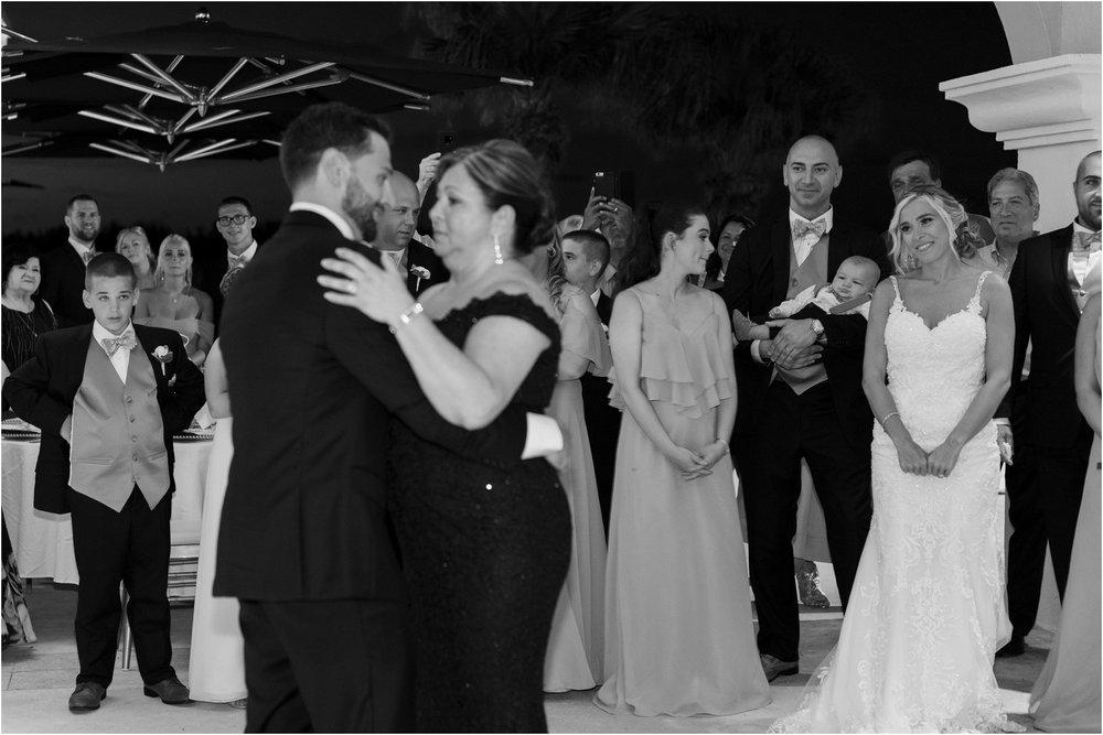 ©FianderFoto_Destination_Wedding_Photographer_Bermuda_Wedding_Photographer_Jaclyn_Anthony__Grotto Bay_131.jpg