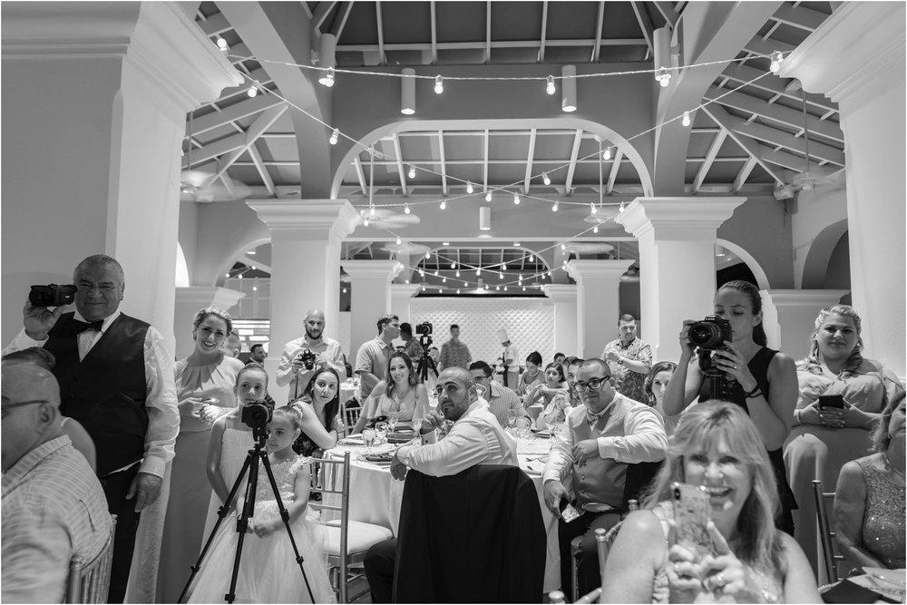 ©FianderFoto_Destination_Wedding_Photographer_Bermuda_Wedding_Photographer_Jaclyn_Anthony__Grotto Bay_133.jpg