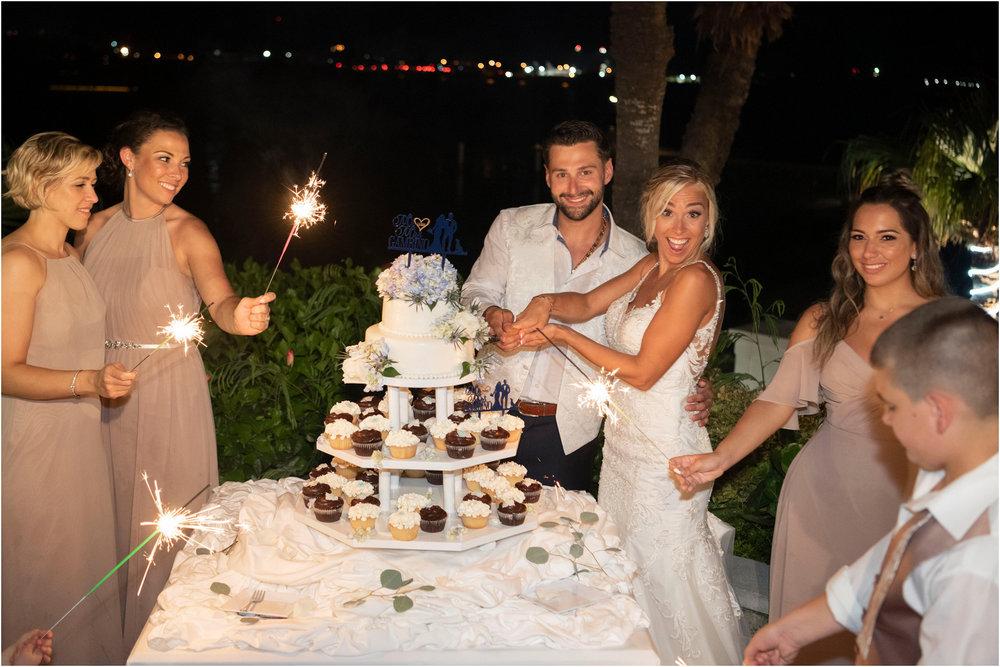 ©FianderFoto_Destination_Wedding_Photographer_Bermuda_Wedding_Photographer_Jaclyn_Anthony__Grotto Bay_144.jpg