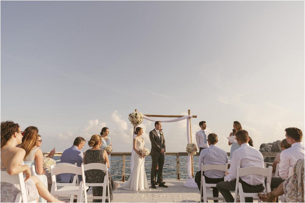 ©FianderFoto_Caribbean_Wedding_Photographer_The Reefs_Bermuda_Lauren_Erik_057.jpg