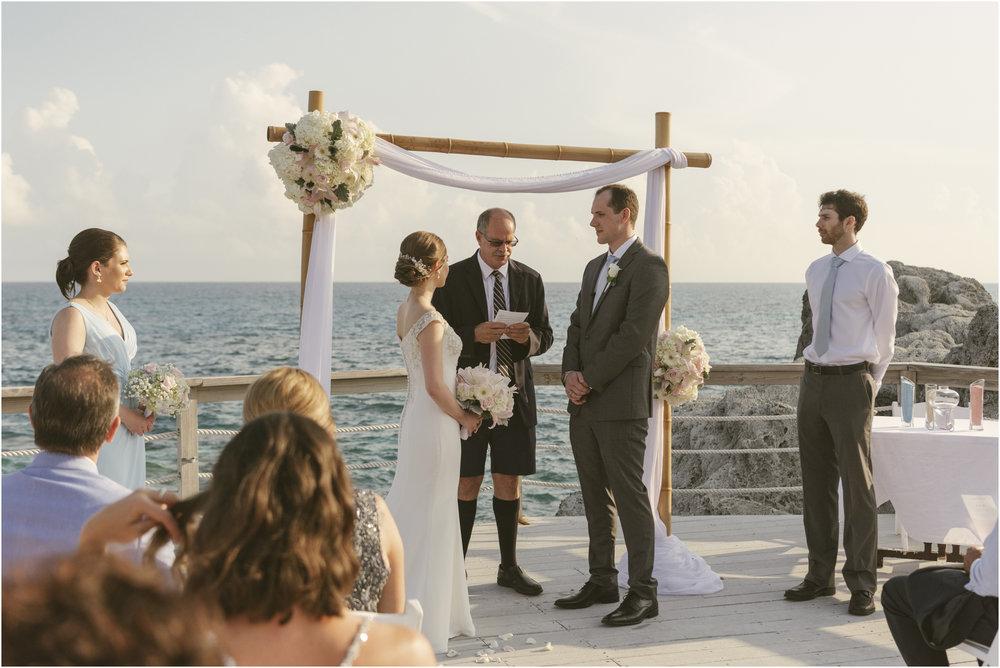 ©FianderFoto_Caribbean_Wedding_Photographer_The Reefs_Bermuda_Lauren_Erik_058.jpg