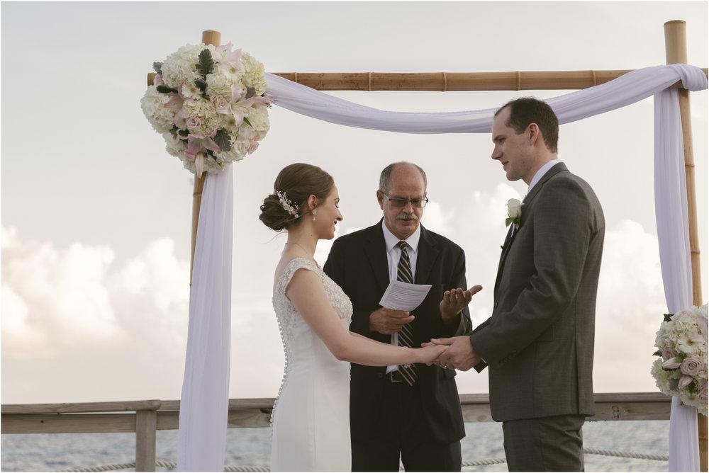 ©FianderFoto_Caribbean_Wedding_Photographer_The Reefs_Bermuda_Lauren_Erik_063.jpg