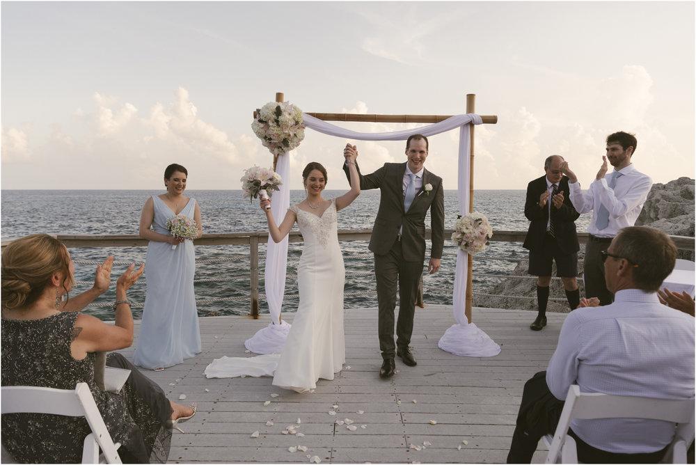 ©FianderFoto_Caribbean_Wedding_Photographer_The Reefs_Bermuda_Lauren_Erik_072.jpg