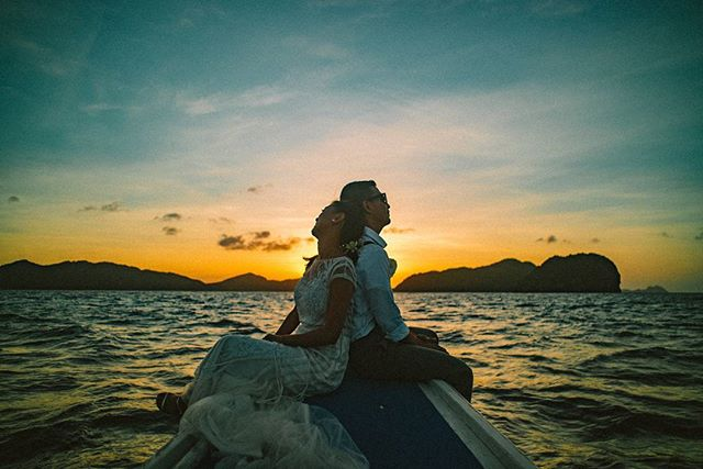 The El Nido Sunset Cruise: your [literal] workaround to an east-facing island wedding. . Bem & Kat's #elnidoresorts #destinationwedding Miniloc Island Resort @elnidoresorts El Nido, Palawan, Philippines  #utterlyengaged #whitemagazine #pacificweddings #brideandgroom #thedailywedding #weddingdaydestination #loveauthentic #togetherweroam #beachwedding #weddinginspiration . #momentsovermountains #sunsetsniper #fineartwedding #sunsethunter #sunsetporn . #exploretocreate #doyoutravel #welltravelled #sweetdreamsdlf #theoutbound #vscotravel #worlderlust #thevisualscollective #passionpassport #expandyourplayground . #elnido #elnidogram