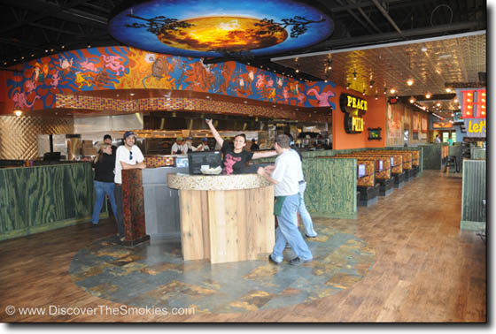 mellow-mushroom-gatlinburg-peek-inside-photo1b.jpg