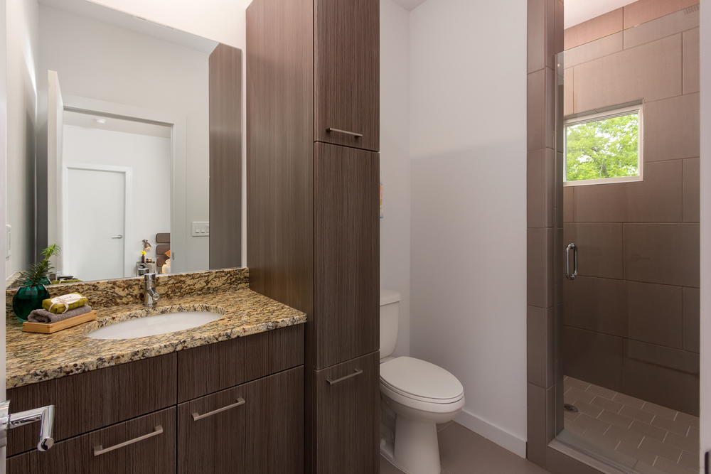 055 1307 Axis_Secondary Bathroom.jpg