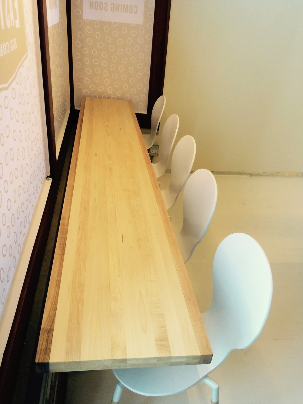 Eastman Egg Window Countertop Table