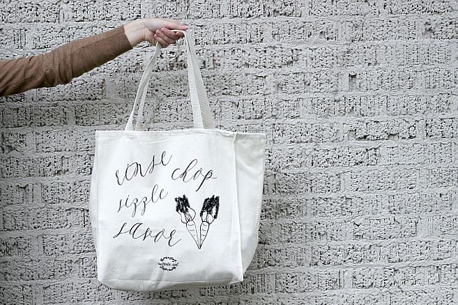 grocery shopping farmer's market tote bag // natasha red shop