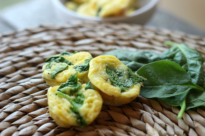 4 ingredient cheesy spinach and egg cups ... toddler approved!