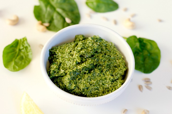 Whole30 Spinach Pesto // Natasha Red Blog