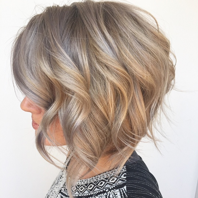 Lauren-short-bob-silver-chrome.JPG