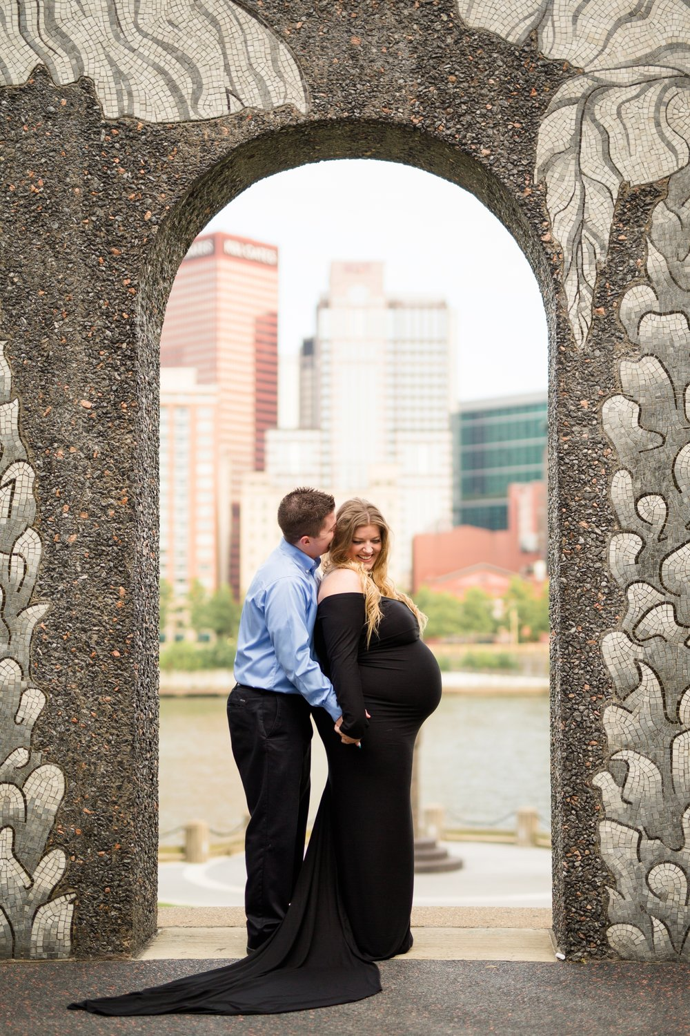 pittsburgh maternity photographer, pittsburgh family photographer, allegheny commons park, north side, north shore, cranberry township family photographer