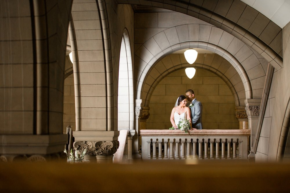 pittsburgh wedding venues, allegheny county courthouse wedding, courthouse pittsburgh wedding, downtown pittsburgh wedding pictures