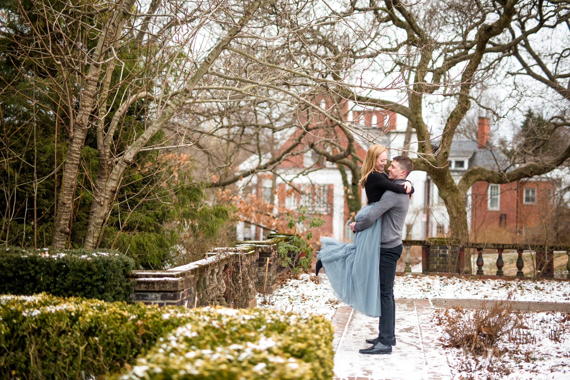 Creative Outfit Ideas For Engagement Photos Jenna Hidinger Photography