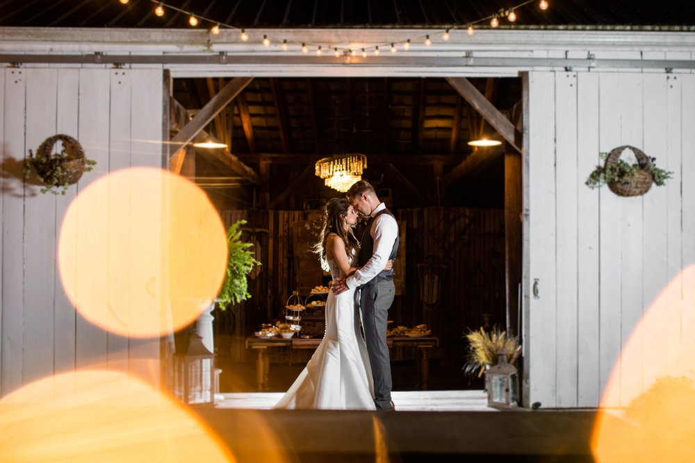 pittsburgh wedding venues, shady elms farm, shady elms farm photos, shady elms farm pictures, shady elms farm wedding photographer, hickory pa