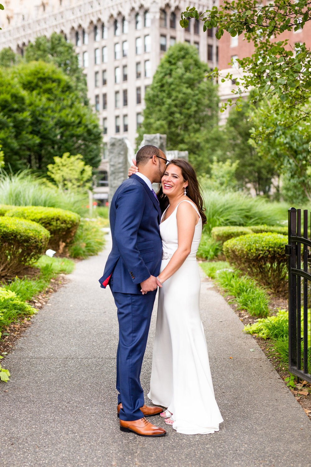 the pennsylvanian wedding photos, pittsburgh wedding venues, downtown pittsburgh wedding pictures, best locations for photoshoot in pittsburgh, the best pittsburgh wedding photographers