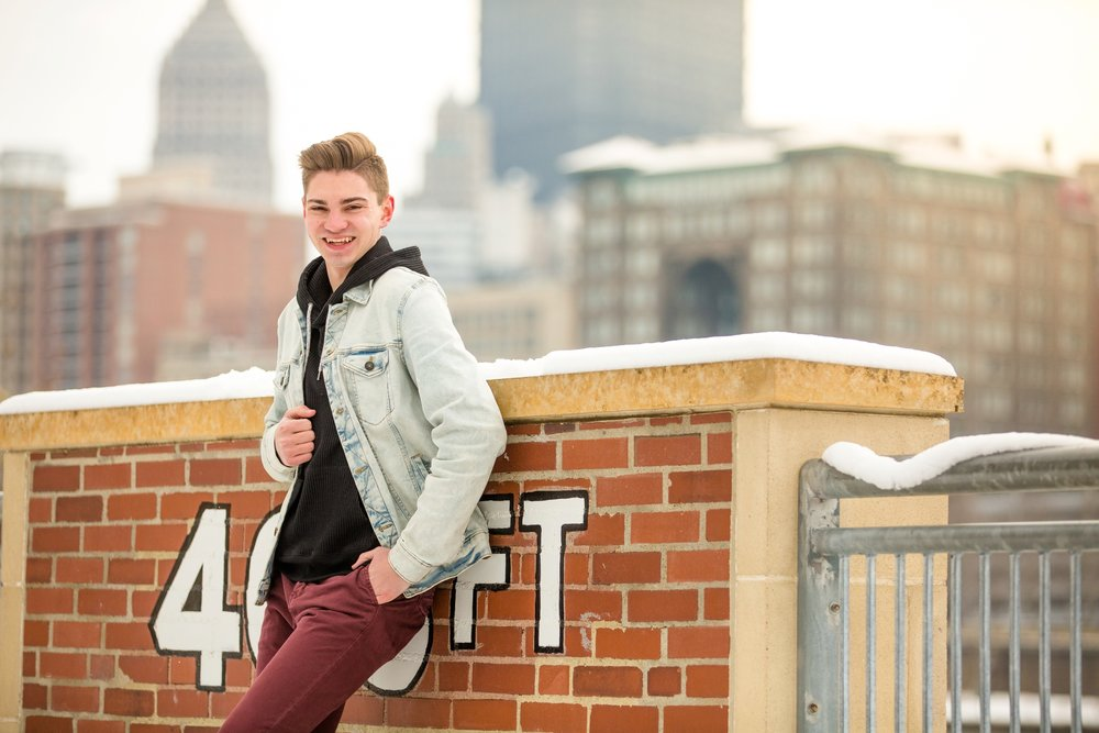 pittsburgh senior photographer, north shore senior pictures, downtown pittsburgh senior pictures, locations for photoshoot in pittsburgh, cranberry township senior photographer