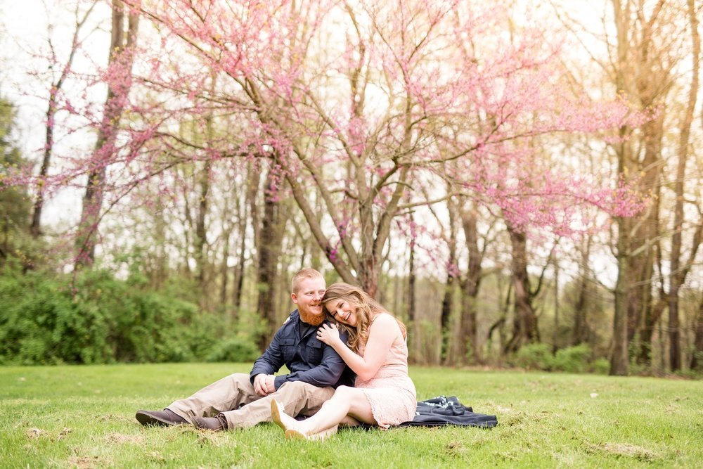 what to wear for engagement photos, how to choose engagement photo outfits, engagement photo outfit ideas, pittsburgh wedding photographer, pittsburgh engagement photographer
