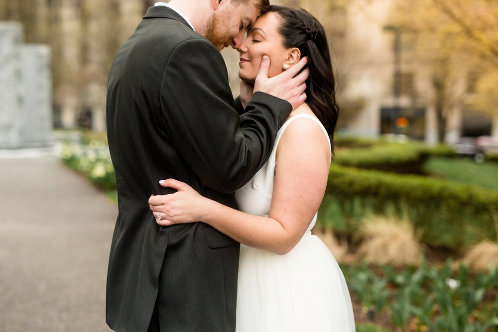 best location for photoshoot in pittsburgh, allegheny county courthouse elopement, downtown pittsburgh elopement, downtown pittsburgh wedding photos