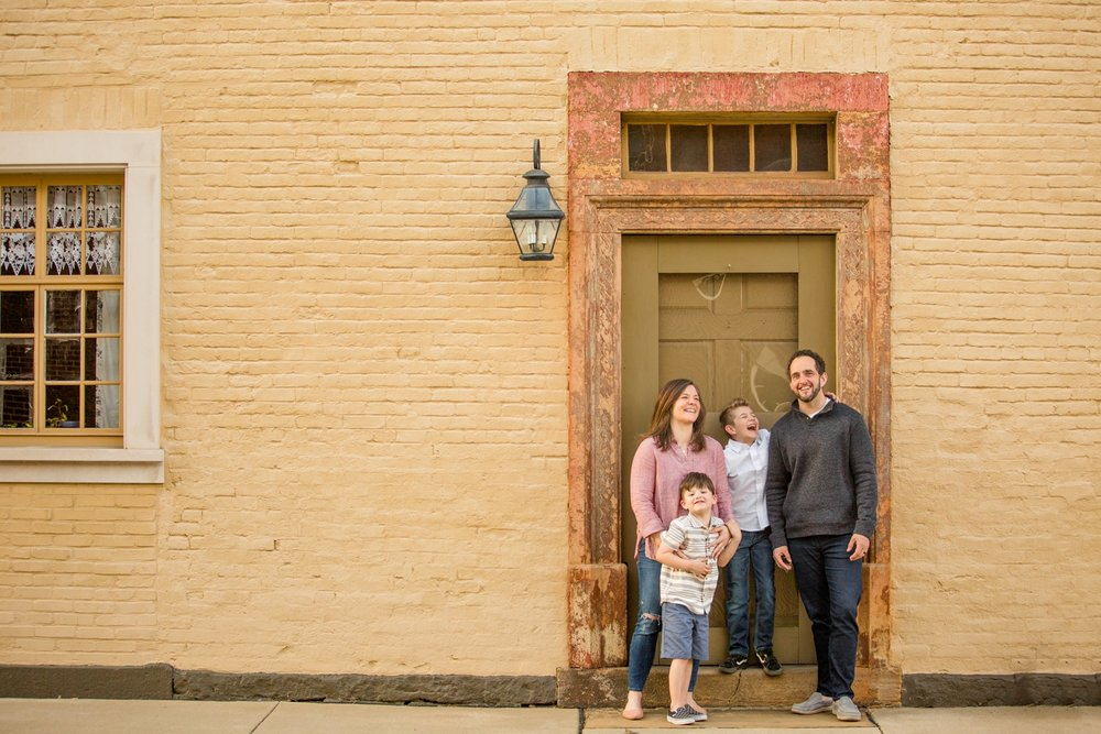 best location for photoshoot in pittsburgh, pittsburgh family photographer, pittsburgh family photos, pittsburgh spring mini sessions, pittsburgh photographer