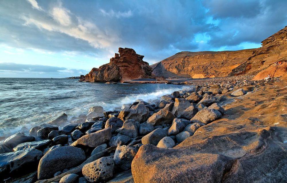 1024px-Lanzarote_3_Luc_Viatour.jpg