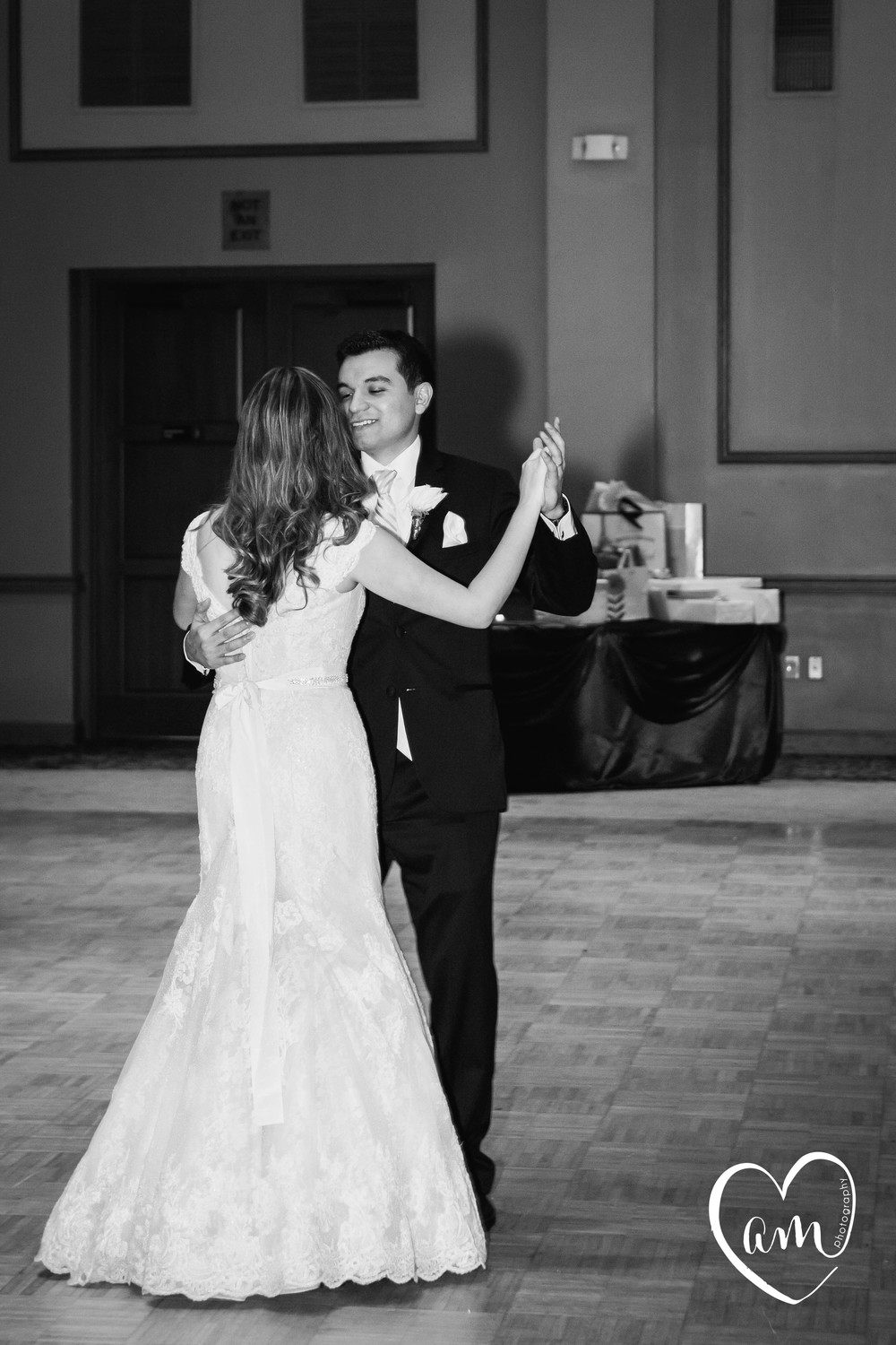 Bride and Groom's first dance at Florida wedding. Photo by Amanda Mejias Photography: Destination Wedding Photographer.
