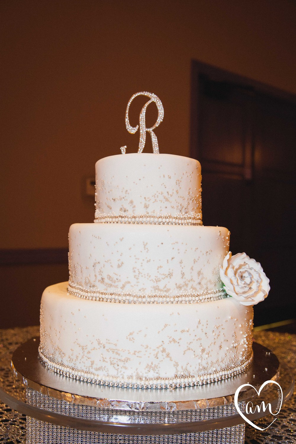 Wedding Cake Photo by Amanda Mejias Photography: Destination Wedding Photographer.