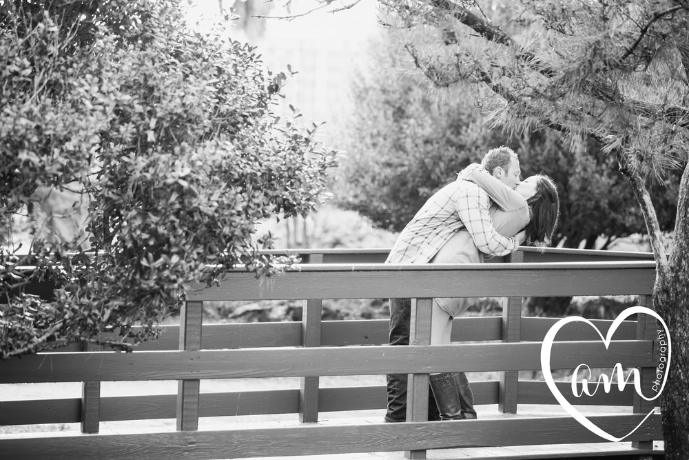 Orlando engagement photos at Lake Eola. Church Street engagement session. Photo by Amanda Mejias Photography: Orlando wedding photographer.
