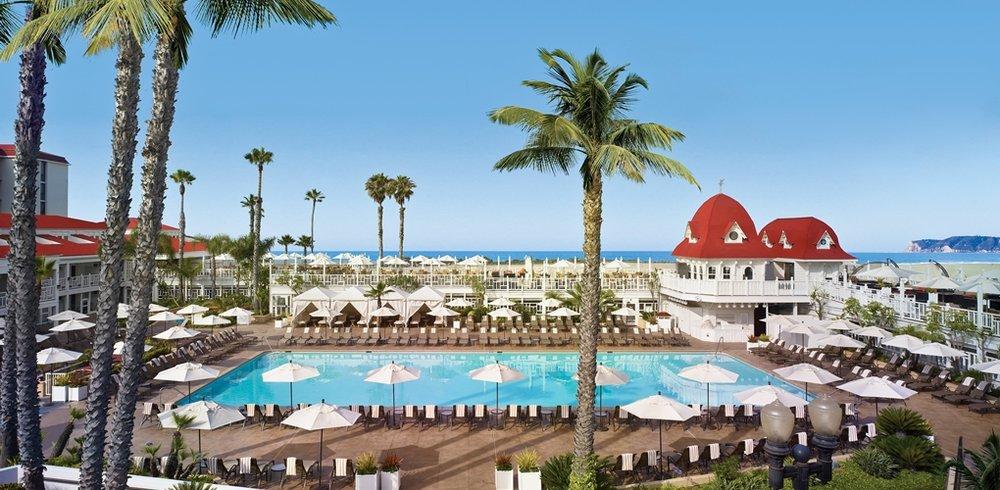 Hotel Del Pool.jpg