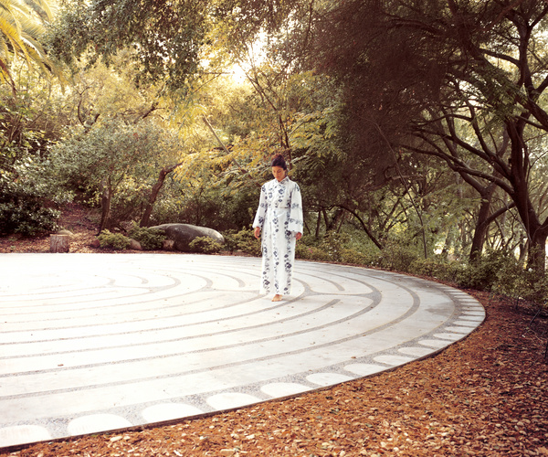 30271786-h1-labyrinth-rwcc2eddd7e.jpg
