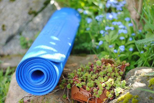 yoga-outside-pic.jpg