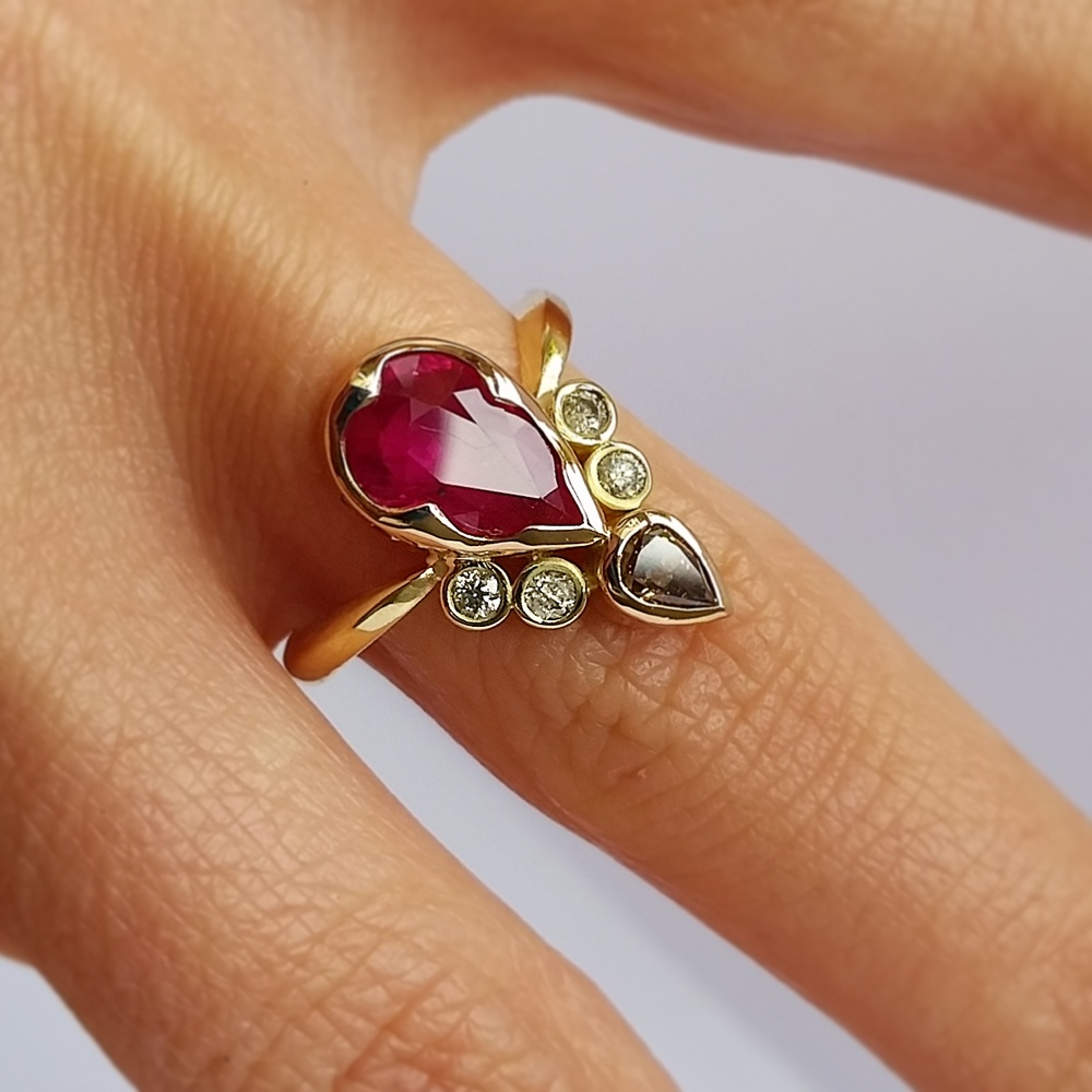Pear shaped ruby and Diamond 18ct ring