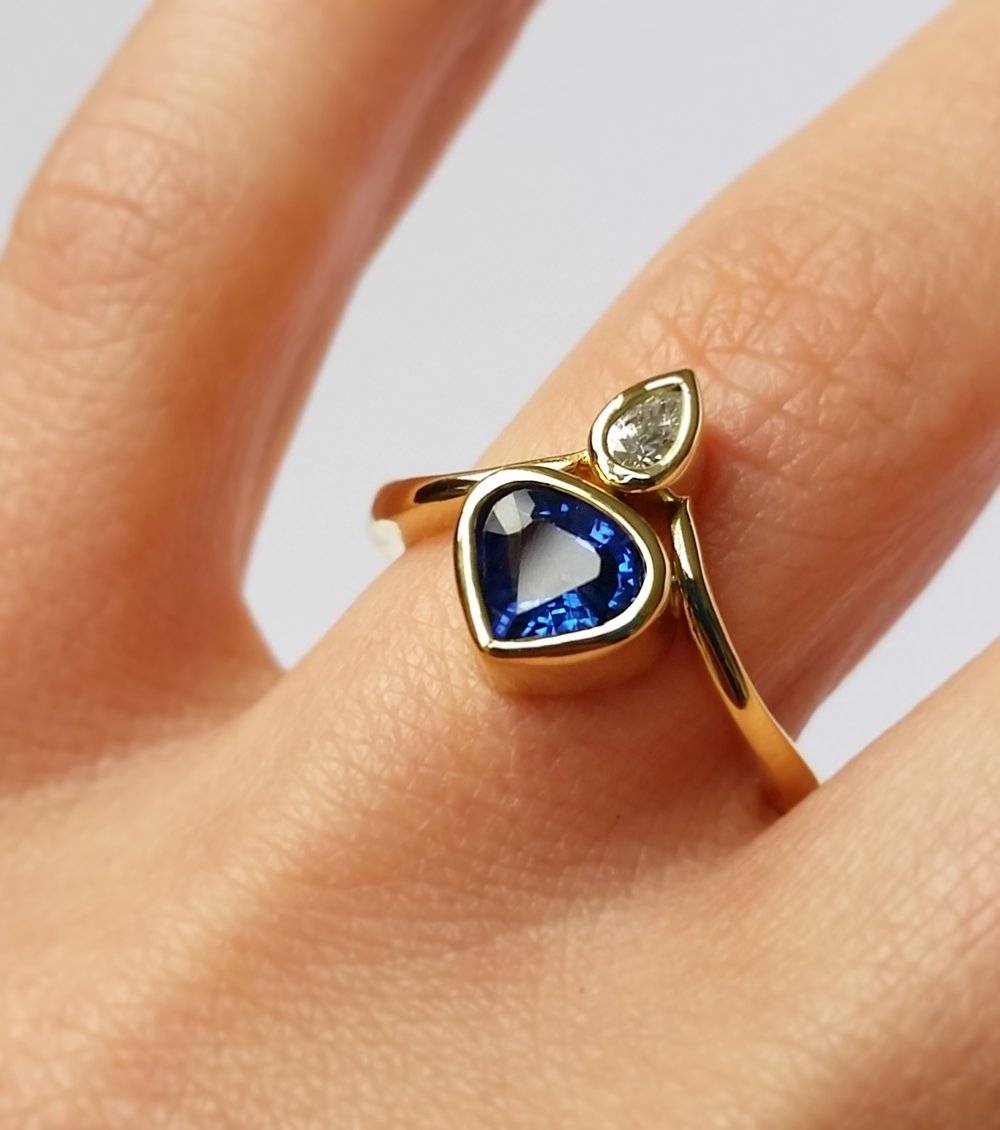 Blue Sapphire and White Diamond Ring