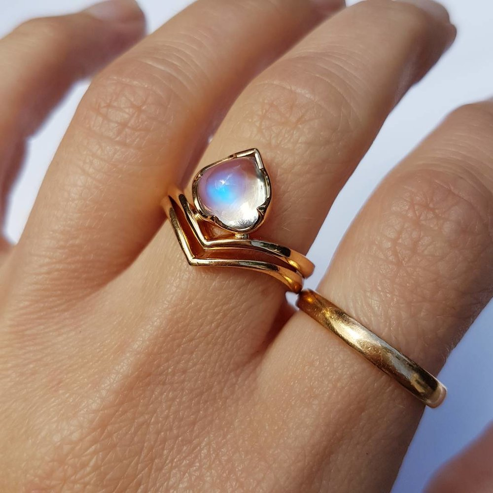 Pictured with the 18ct Rose Gold Moonstone Mimosa Ring (not included)