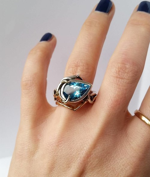 Blue+Topaz+Ring+in+Silver.jpg