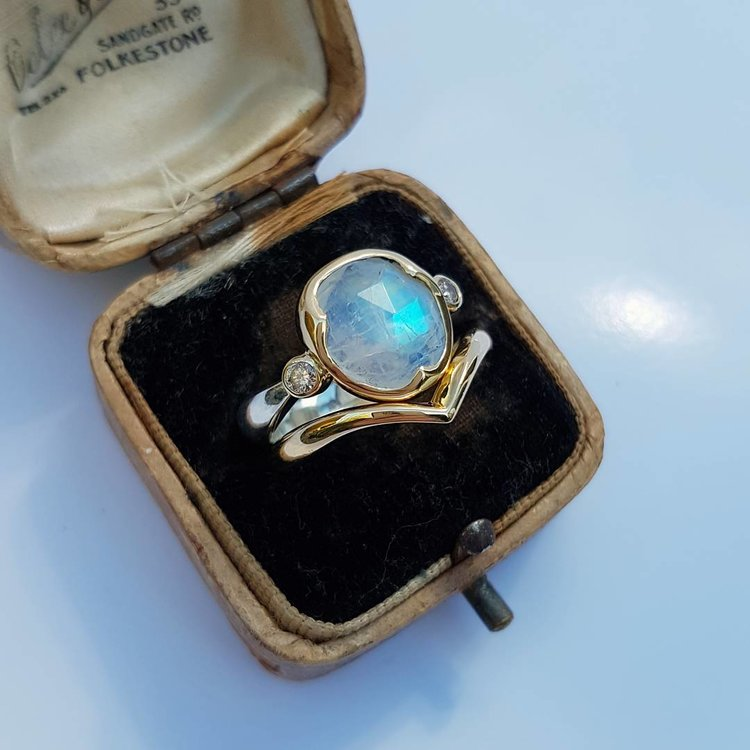 Rose+cut+moonstone+ring.jpg