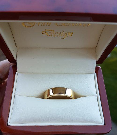 Gold+Wedding+band+by+Fran+Barker+Design.jpg