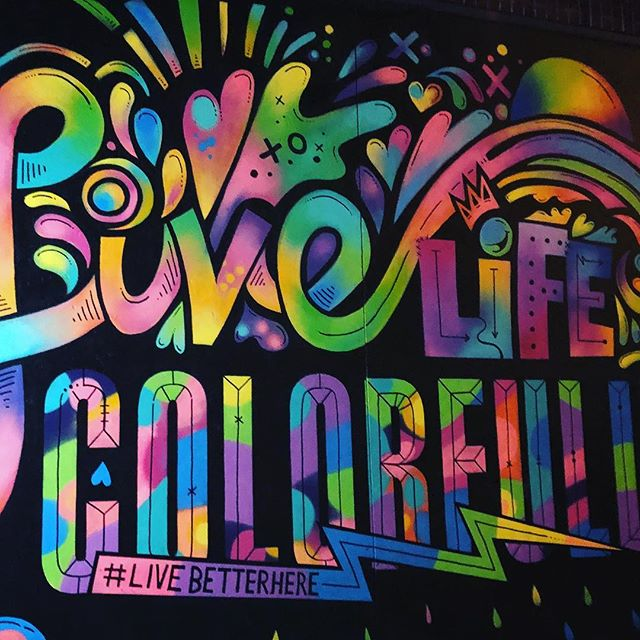 Look what I found on the street! Live Life Colorfully. Yes! I love seeing creativity powerfully used to make a positive difference and I get so excited 😆 Thank you, @jasonnaylor  for your awesome + fun work ❤️ #livebetterhere