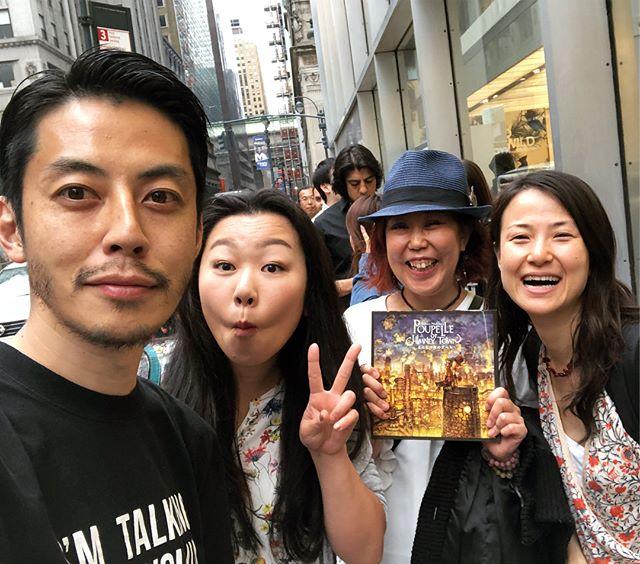 えんとつ町のプペル展で。西野君はとっても気さくでハンサムで素敵な方でした。ホームレス小谷さんもめっちゃくちゃ面白くて人を惹きつける魅力のある方でした。ニューヨークには本当に色々な日本人がいるなぁと実感させられた大盛況のイベントでした。