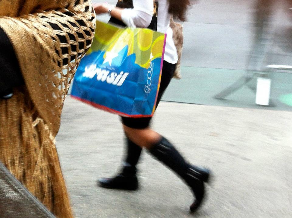 Kakau Höfke - design shopping bag pour Macy's