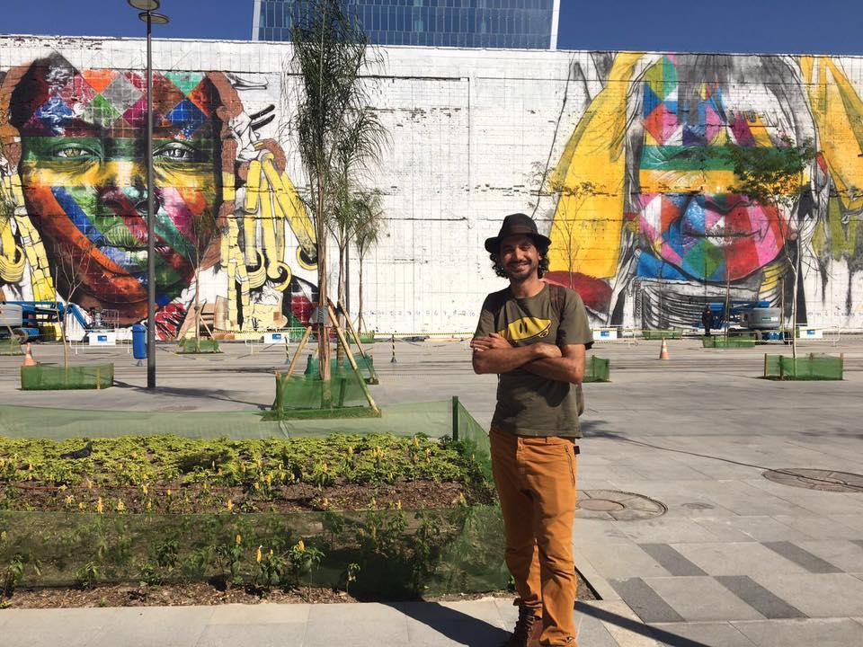 """Kobra (photo de ©MattinRio""""c'est la paix universelle que j'ai souhaité exprimer, l'union des peuples, des religions. D'ailleurs, le nom de cette fresque est : « Nous sommes tous Un »"""""""