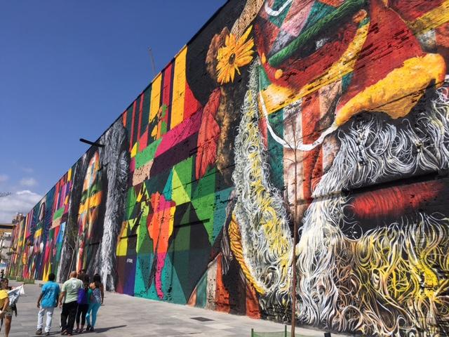 """Mural """"Todos somos um"""" ©Kobra Rio 2016 - photo VA deepthroat.fr"""