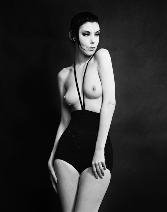 Peggy Moffitt in Rudi Gernreich, Topless Swimsuit, 1964 © William Claxton