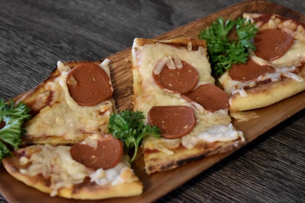 Less than 400 calories per pizza!