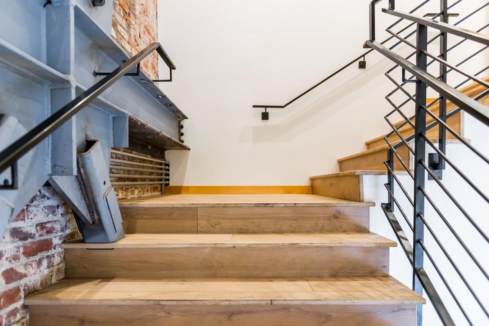 CDG_stairwell_detail2.jpg
