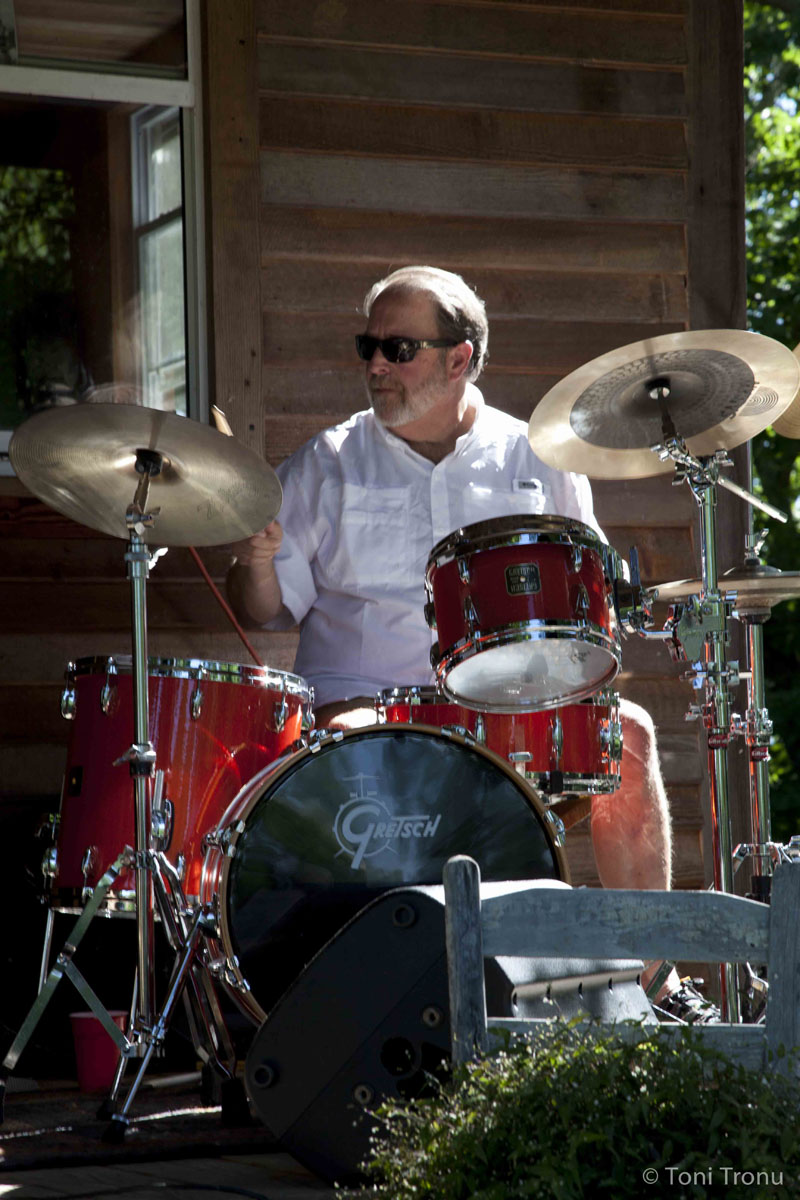 Andrea-Templon-drummer-music-friend-jazz.jpg