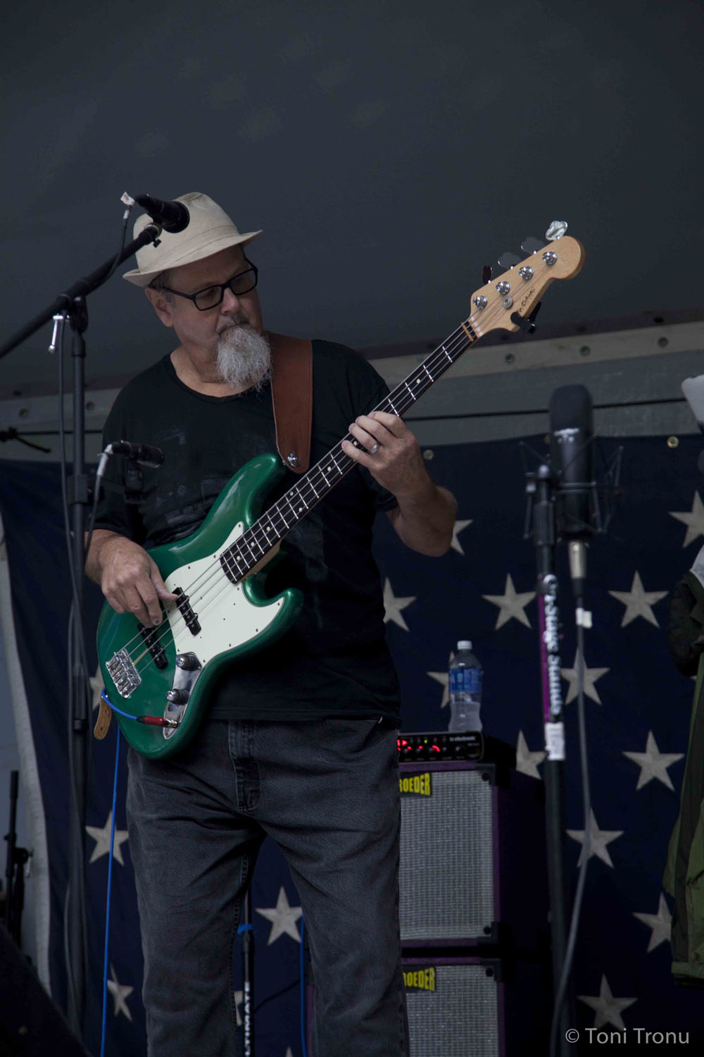electric-bass-musician-roger-tiny-kohrs-stokes-stomp-danbury-north-carolina-live-music-festival-september-2014.jpg