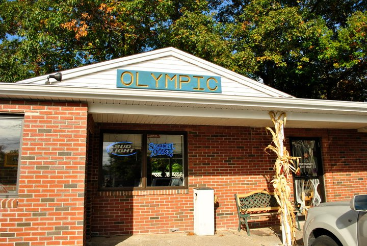 """About Us We are a family owned and operated restaurant, tucked away in the """"quiet corner"""" of Connecticut. Since 1999, we have been serving up some of the finest and freshest seafoodeast of the river.Offering one of the areas largest menu,choosefrom:pizza, pasta, handmade burgers,sandwiches,salads or home-made soups. """"Where neighbors become customers and customers friends.""""Come check us out!"""
