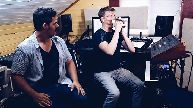 (2/3) Don't con(ch) people. It's shellfish. 🎥🎹 🐚  This is a screen-grab from when @spearfishermusic gave me a tour of his home studio and talked about his recent project using augmented reality technology to create music with the movement of a ballet. Youtube.com/taylorlewin for the full vid. Or https://youtu.be/qvjSxKjgwpU.  #musicmaking #filmmaking #youtubevideos #movementandmusic #homestudio